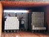 Zakládání vysušených cihel do pece